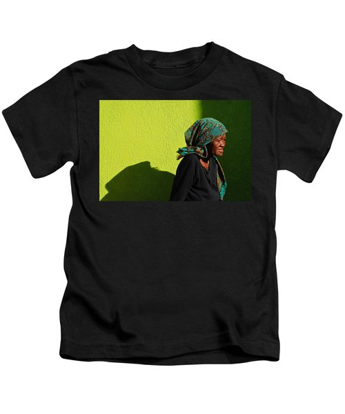 Lady In Green Kids T-Shirt