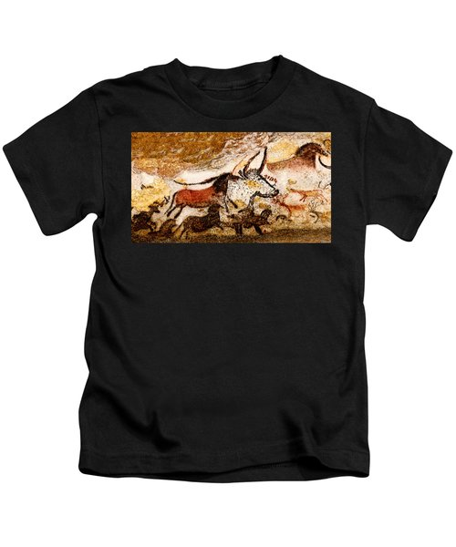Lascaux Hall Of The Bulls - Horses And Aurochs Kids T-Shirt
