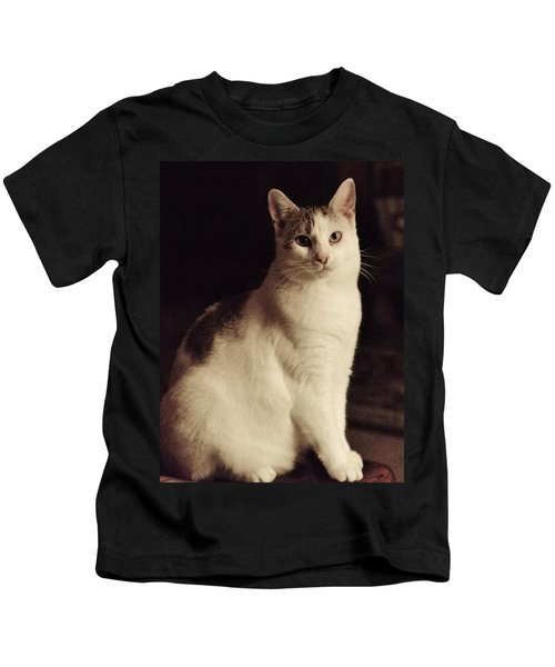 Lisa-lisa Posing Kids T-Shirt