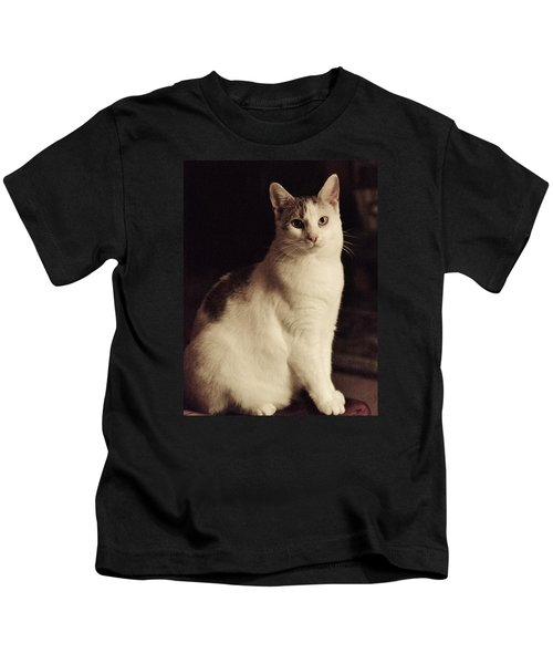 Lisa-lisa Posing Kids T-Shirt