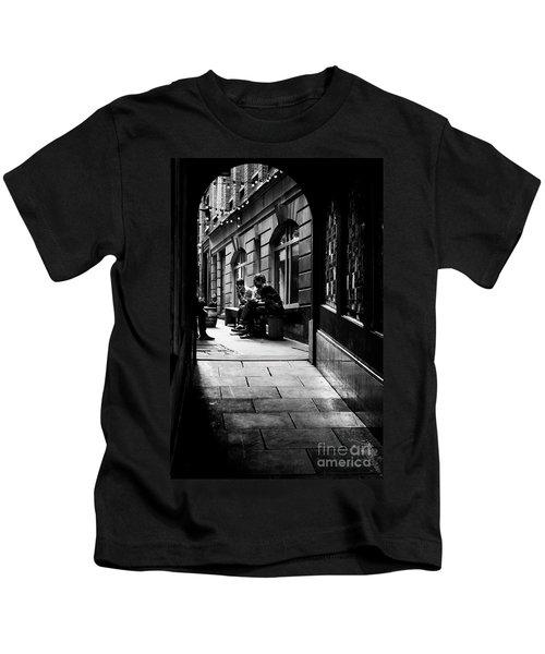 London Backstreet Alley Kids T-Shirt