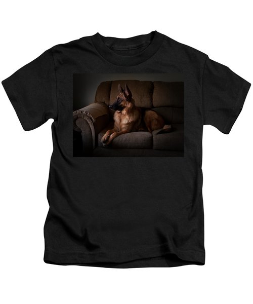 Looking Out The Window - German Shepherd Dog Kids T-Shirt