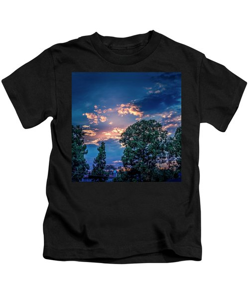 Looking West At Sunset Kids T-Shirt