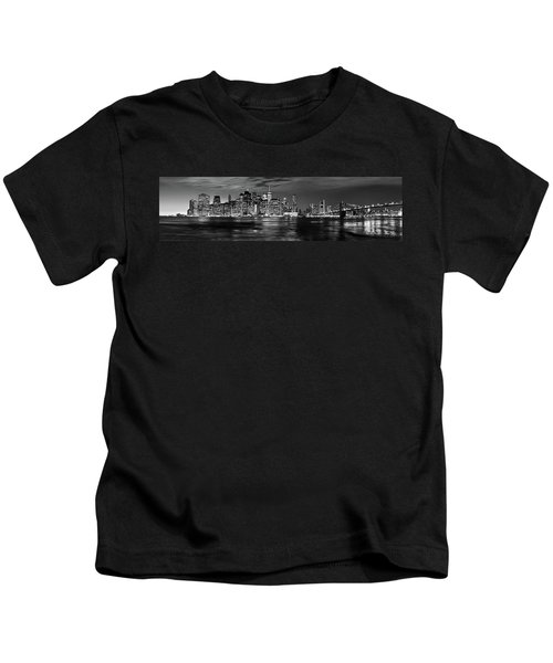 Manhattan Skyline At Dusk From Broklyn Bridge Park In Black And  Kids T-Shirt
