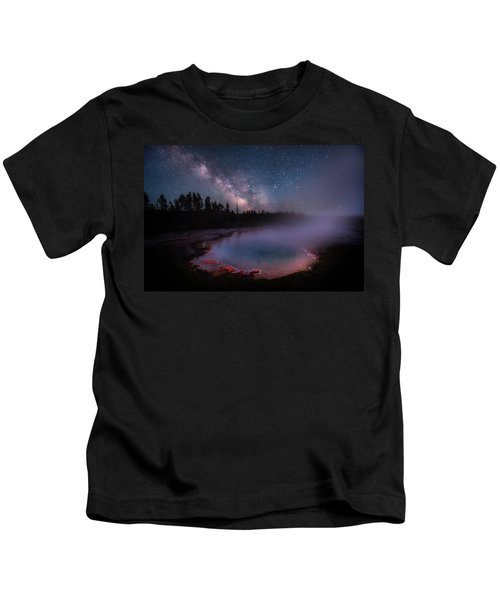 Milky Way In Yellowstone Kids T-Shirt