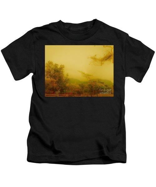 Misty Yellow Hue- El Valle De Anton Kids T-Shirt