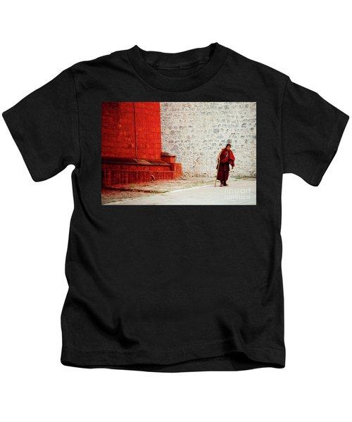 Monk In Tashilhunpo Monastery Shigatse Tibet Yantra.lv Kids T-Shirt