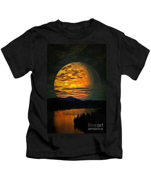 Moon In Ambiance Kids T-Shirt