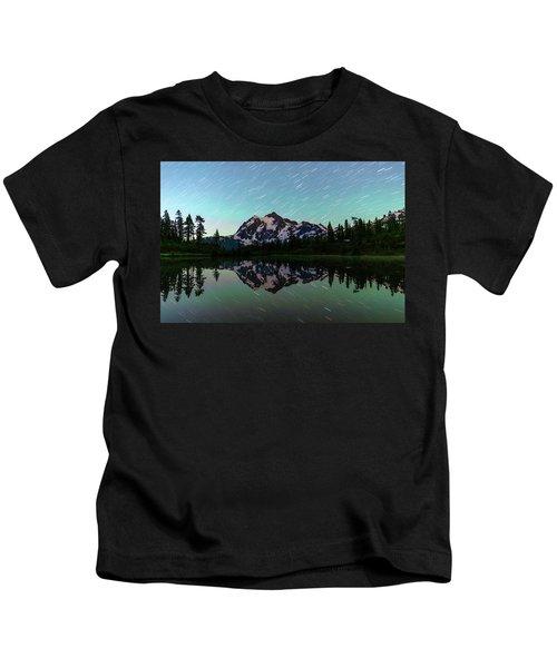 Mt Shuksan And Star Trails Kids T-Shirt