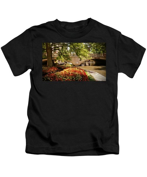 Navarro Street Bridge Kids T-Shirt