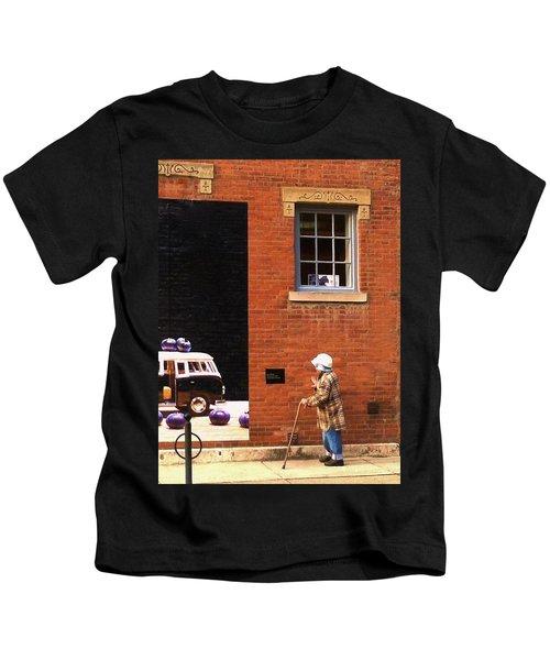 Observing Building Art Kids T-Shirt