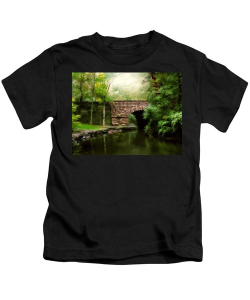 Old Country Bridge Kids T-Shirt