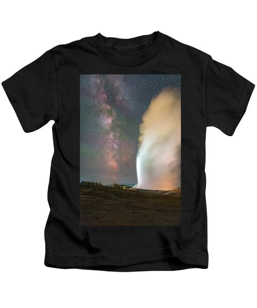 Old Faithful Erupts At Night Kids T-Shirt