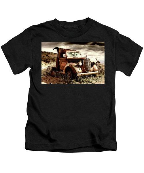 Old Ford Truck In Desert Kids T-Shirt