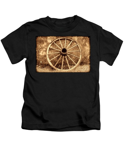 Old Wagon Wheel Kids T-Shirt