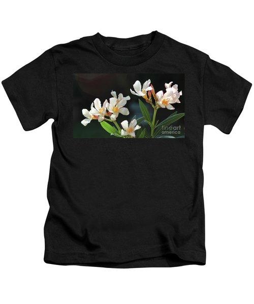 Oleander Petite Salmon 2 Kids T-Shirt