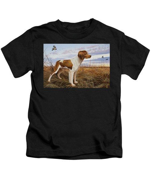 On Watch - Brittany Spaniel Kids T-Shirt