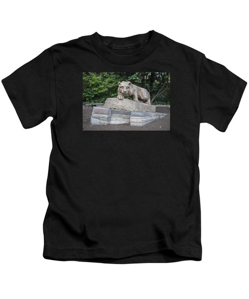 Penn Statue Statue  Kids T-Shirt by John McGraw