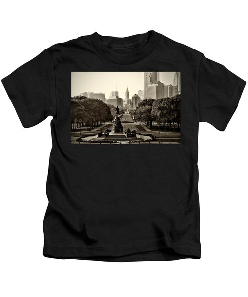 Philadelphia Benjamin Franklin Parkway In Sepia Kids T-Shirt