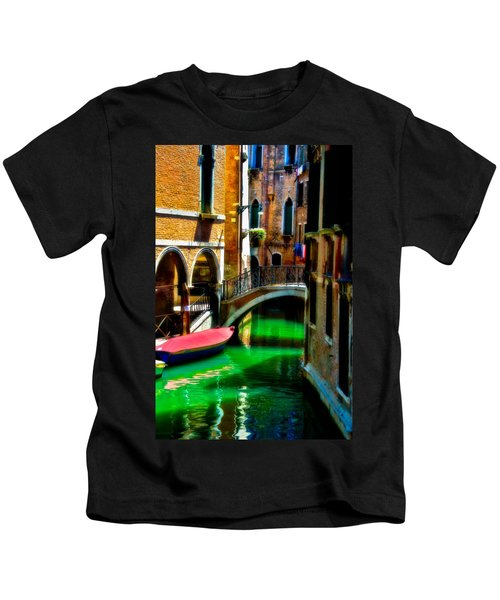 Pink Boat And Canal Kids T-Shirt