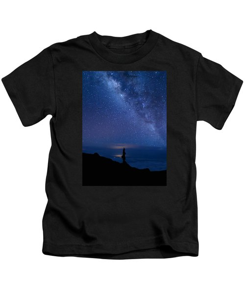 Pointing To The Heavens Kids T-Shirt