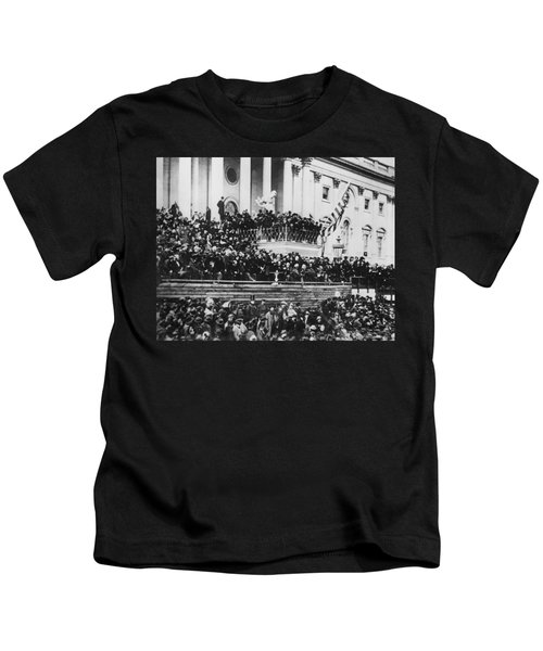 President Lincoln Gives His Second Inaugural Address - March 4 1865 Kids T-Shirt
