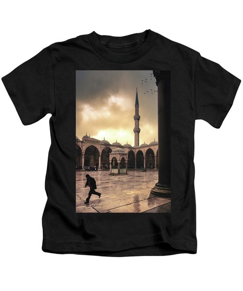 Rain At The Blue Mosque Kids T-Shirt