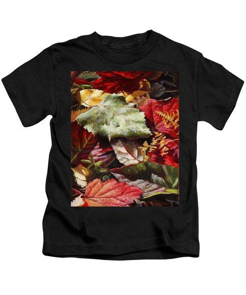 Red Autumn - Wasilla Leaves Kids T-Shirt