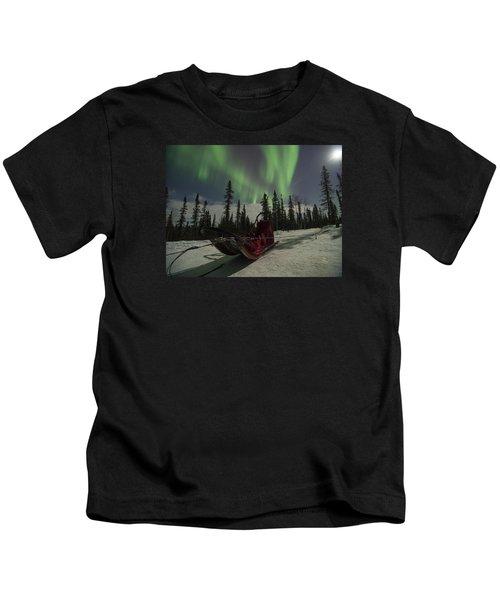 Red-sled Aurora Kids T-Shirt