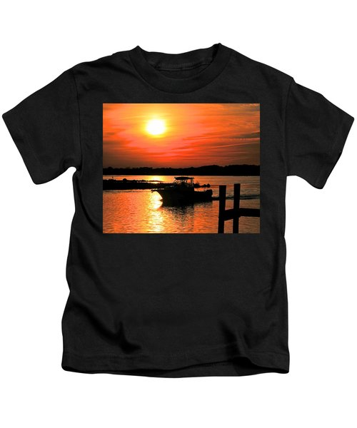 Return At Sunset Kids T-Shirt