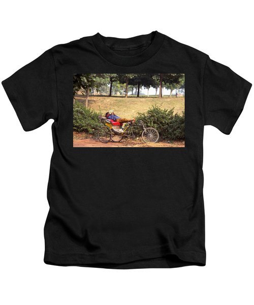 Rickshaw Rider Relaxing Kids T-Shirt