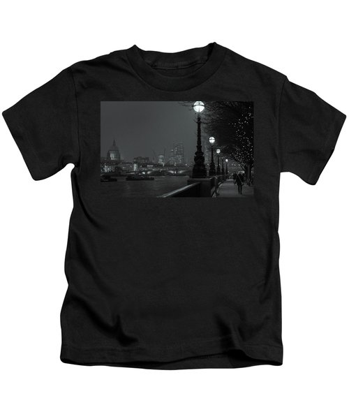 River Thames Embankment, London 2 Kids T-Shirt