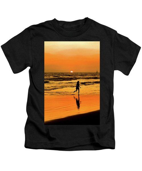 Run To The Sun Kids T-Shirt