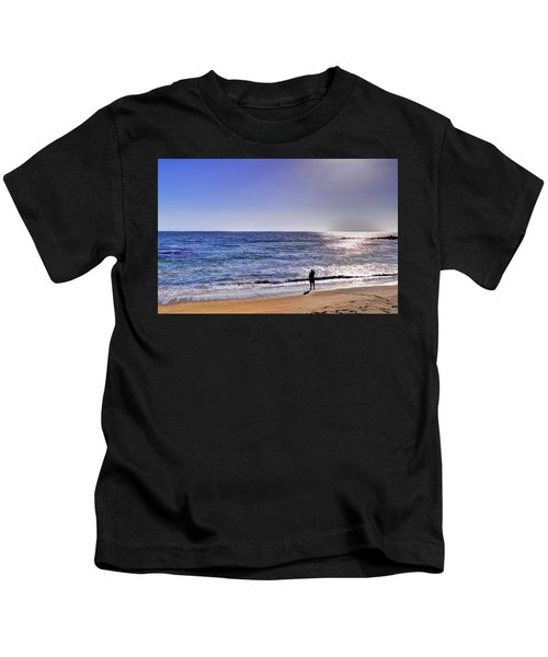 Searching To The Sea Kids T-Shirt