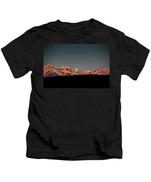 Setting Moon Over Alaskan Peaks V Kids T-Shirt