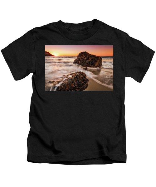 Singing Water, Singing Beach Kids T-Shirt