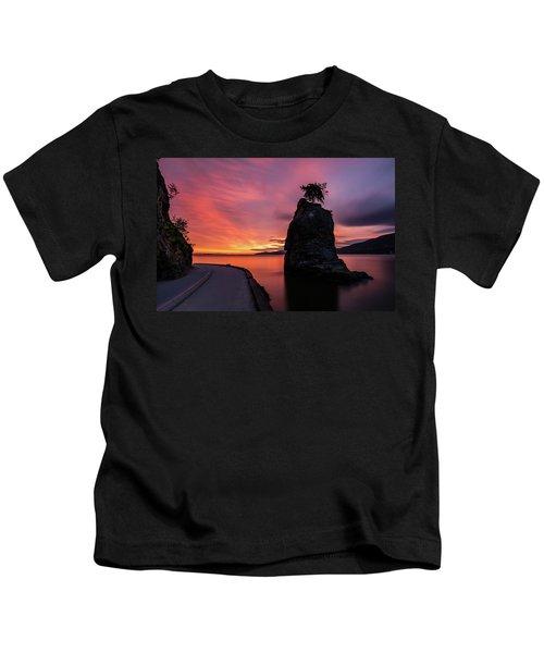 Siwash Rock Along The Sea Wall Kids T-Shirt