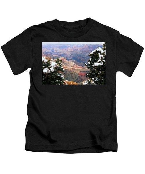 Snowy Dropoff - Grand Canyon Kids T-Shirt