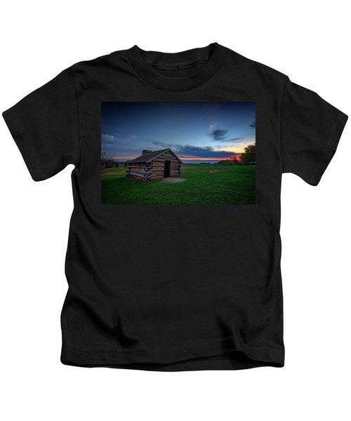 Soldier's Quarters At Valley Forge Kids T-Shirt