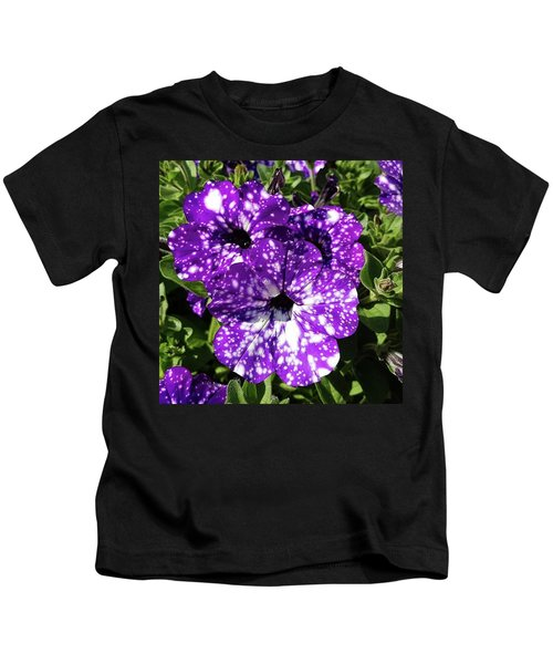 Starry Petunias... Kids T-Shirt