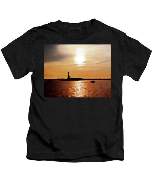 Statue Of Liberty At Sunset Kids T-Shirt