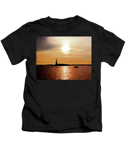 Statue Of Liberty At Sunset Kids T-Shirt