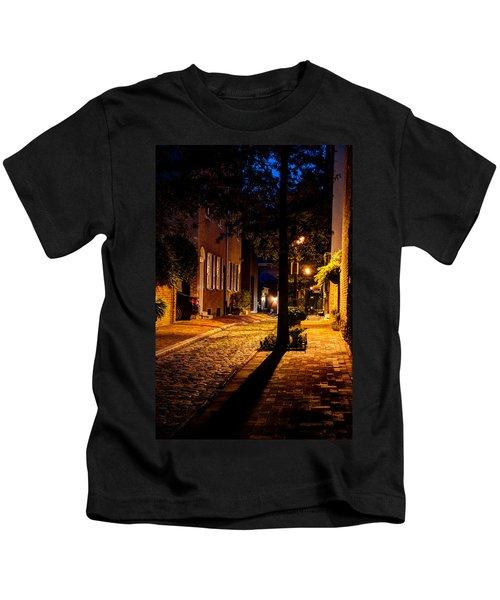 Street In Olde Town Philadelphia Kids T-Shirt