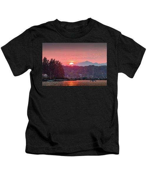 Summer Sunset Over Yukon Harbor.2 Kids T-Shirt