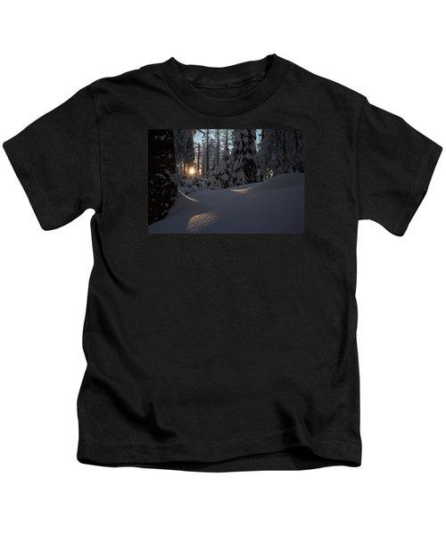 Sunburst In Winter Fairytale Forest Harz Kids T-Shirt