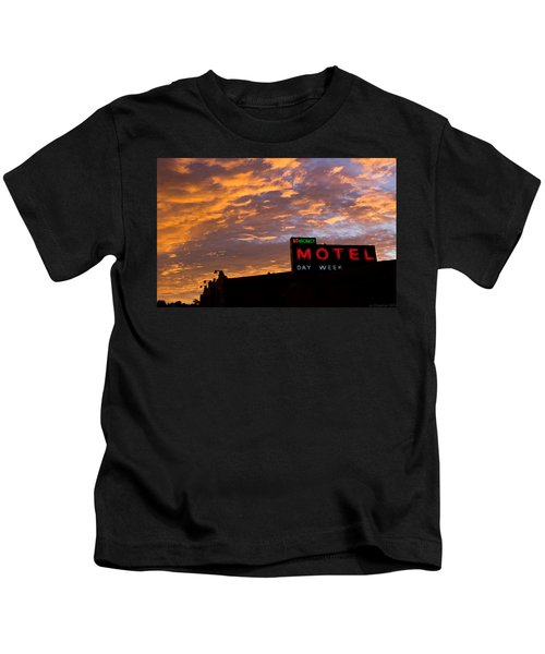 Sunrise Enters Capitola Kids T-Shirt