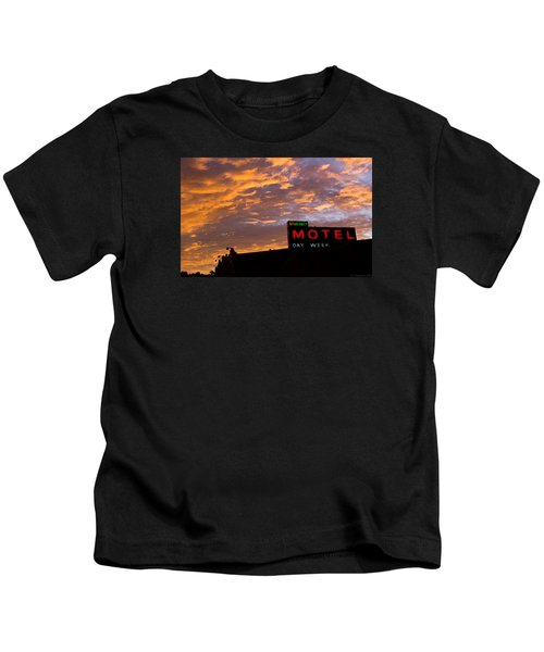 Sunrise Enters Capitola Kids T-Shirt