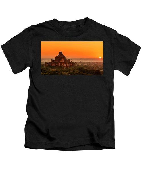 Sunrise View Of Dhammayangyi Temple Kids T-Shirt