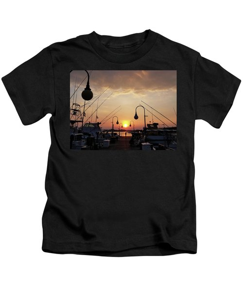 Sunset At The End Of The Talbot St Pier Kids T-Shirt