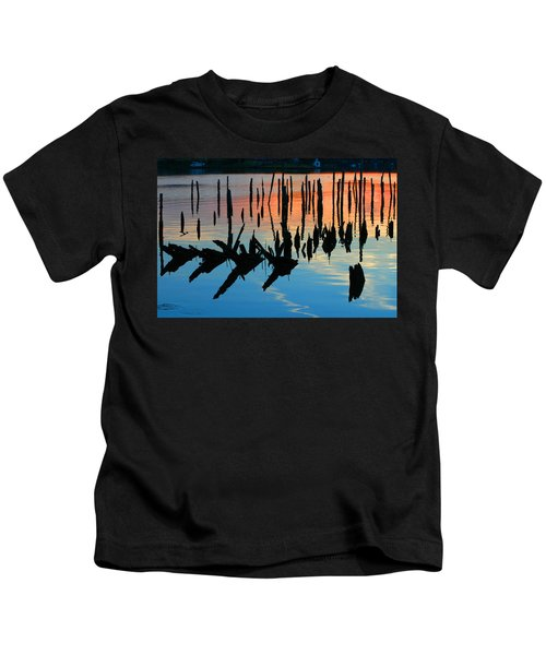 Sunset In Colonial Beach Virginia Kids T-Shirt